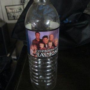 EVERYBODY LOVE RAYMOND WATER BOTTLE